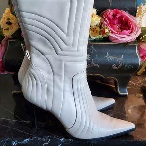 Stylish Cream Moto Boots 👢